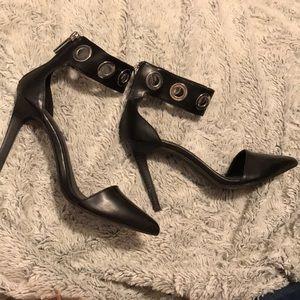 Pointed toe Zara heels
